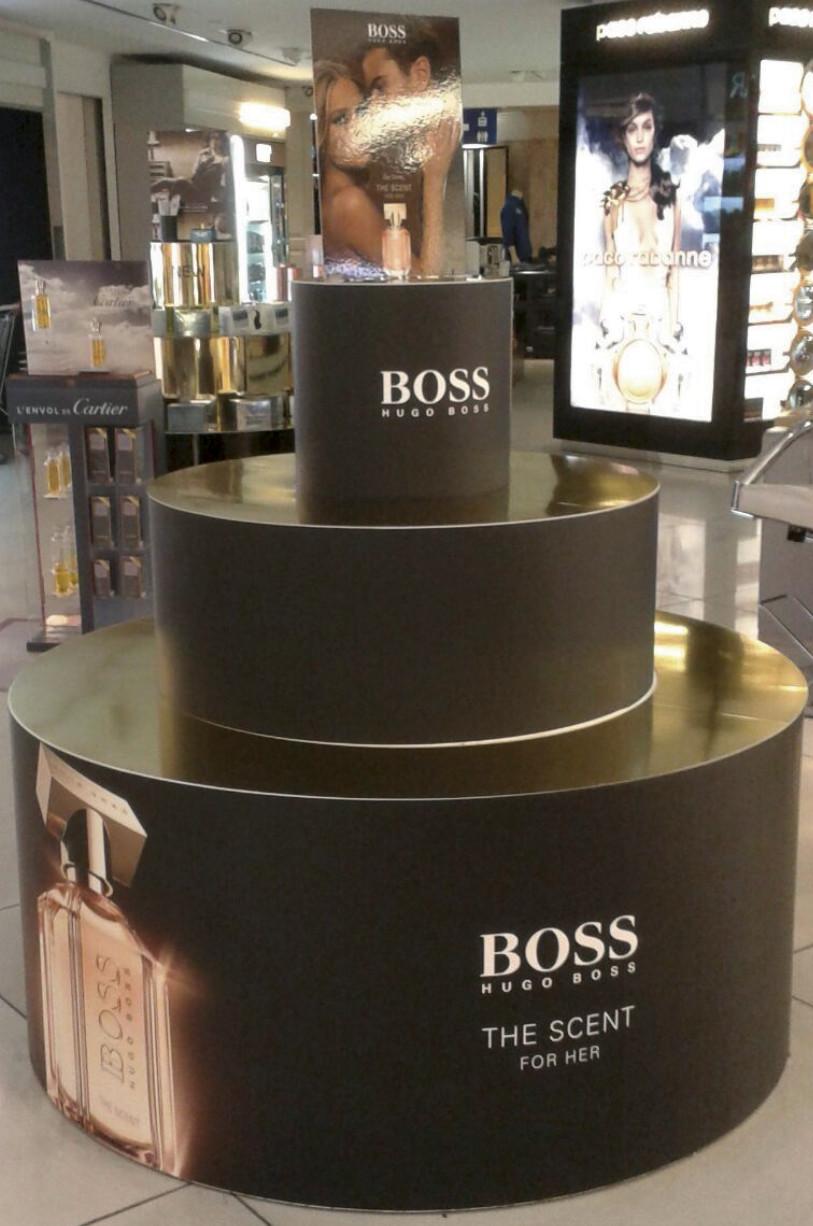 PLV Hugo Boss - Ejemplo de Mobiliario para cliente del sector Cosmética y Perfumería