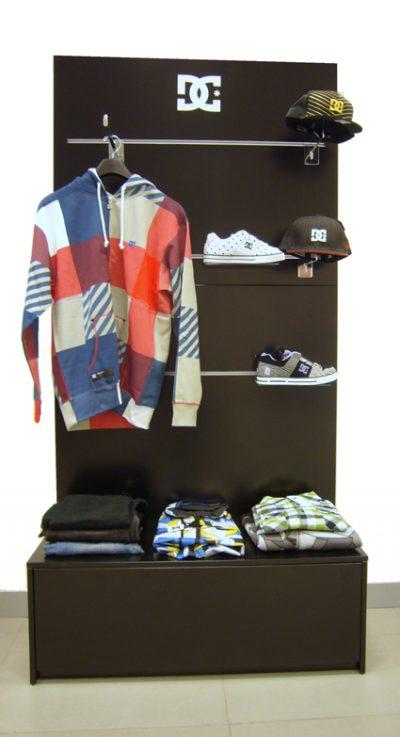 PLV DC Shoes - Ejemplo de Mobiliario para cliente del sector Retail