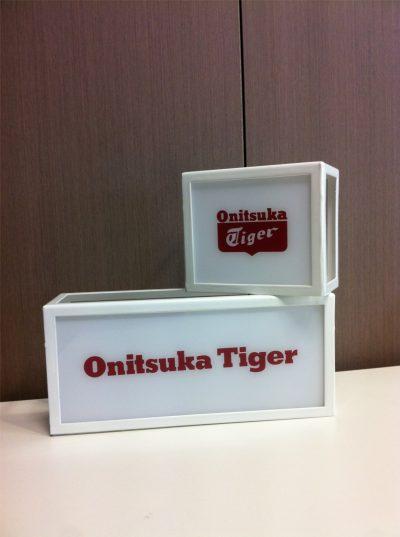 PLV Onitsuka Tiger - Ejemplo de Expositor para cliente del sector Retail